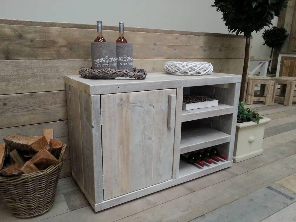 White wash verf lees hier wat je ermee kan for Steigerhout tv meubel maken